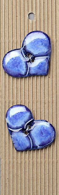 Incomparable BUTTONS L485 -  blue hearts x 2