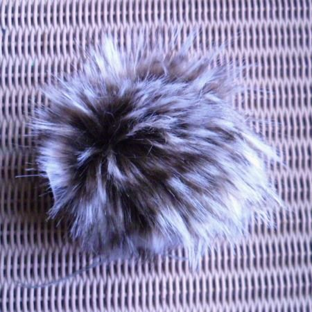 Lang Yarns Fun Fur POMPOM 10 cm chocolate cream